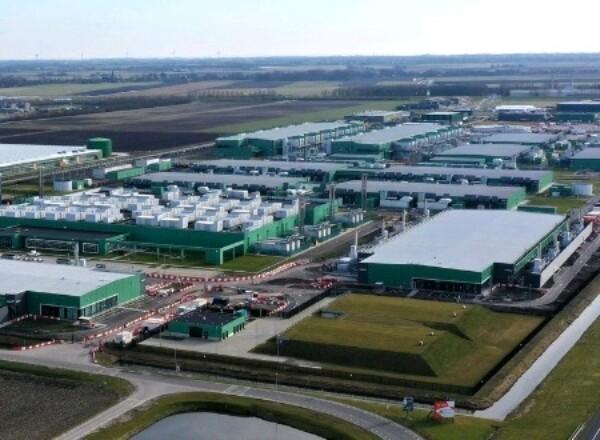 """Hoornse fracties """"bijzonder ongerust"""" over levering van voldoende en kwalitatief goed drinkwater als datacentra in Hollands Kroon er komen."""