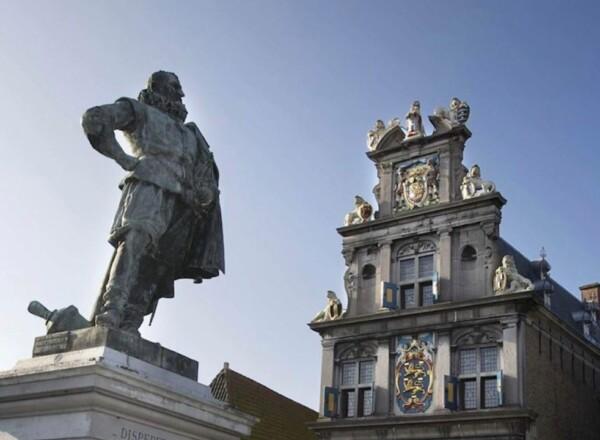 Raad verdeeld over vervolg Stadsgesprekken Hoorn.